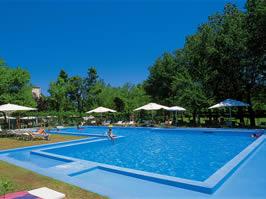 Camping parco delle piscine kamperen bij camping parco for Camping parco delle piscine toscane